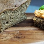 Low-Carb-Schwarzbrot