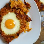 Sweetpotato Hash Browns mit Schinken & Ei